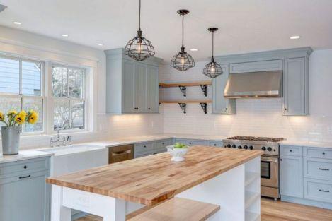 White Farmhouse Kitchen Ideas 15
