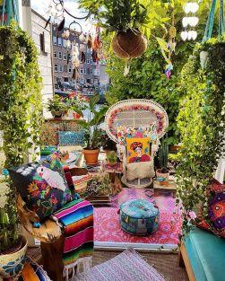 Hippie Black Garden Ideas 7