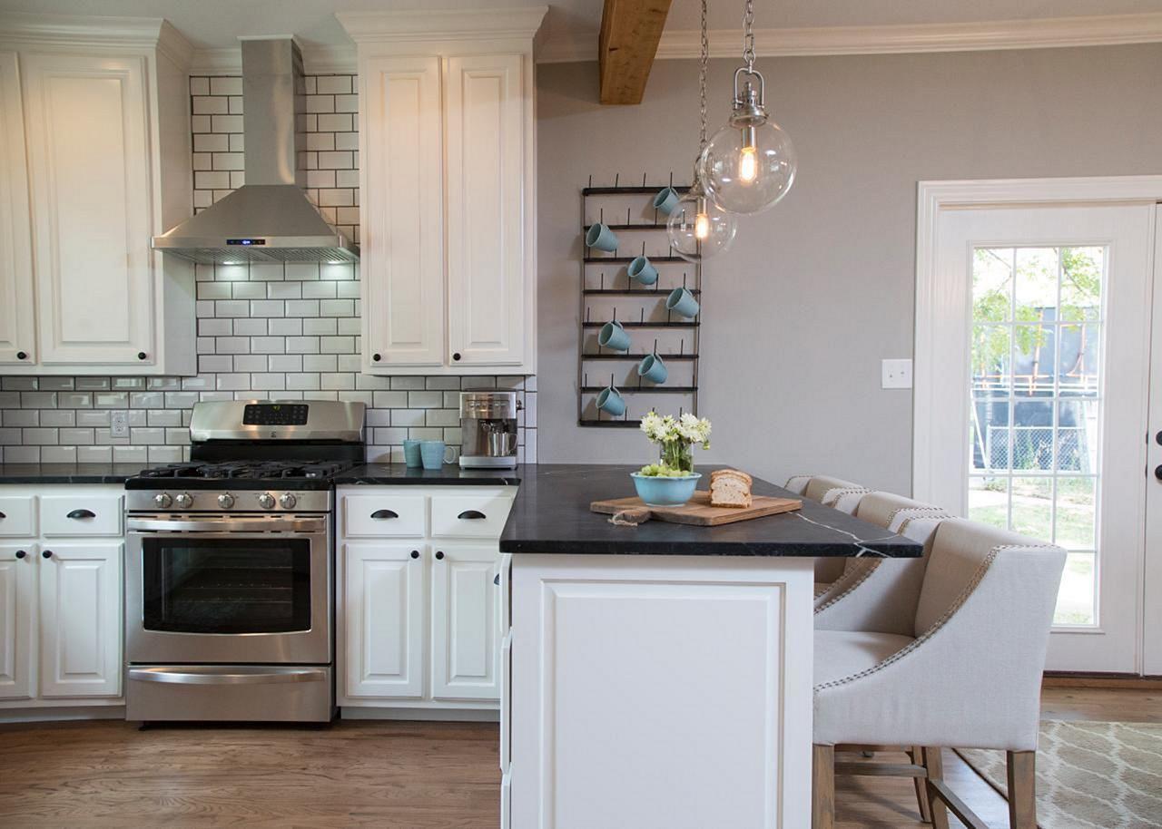 25 Beautiful Fixer Upper Kitchens Design Ideas By Joanna Gaines Freshouz Com