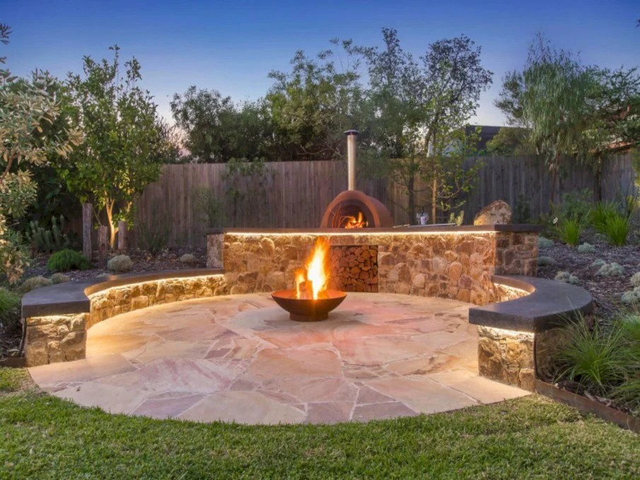 40 circular fire pit seating area ideas