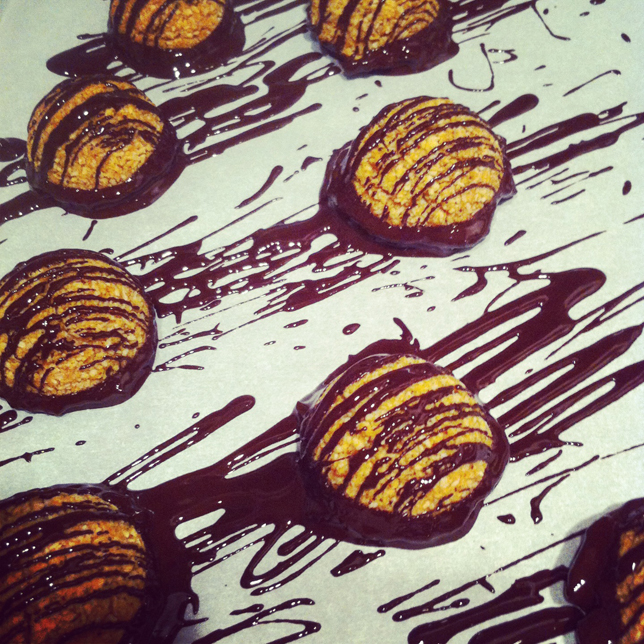 Mexican Chocolate Macaroons - GrokGrub