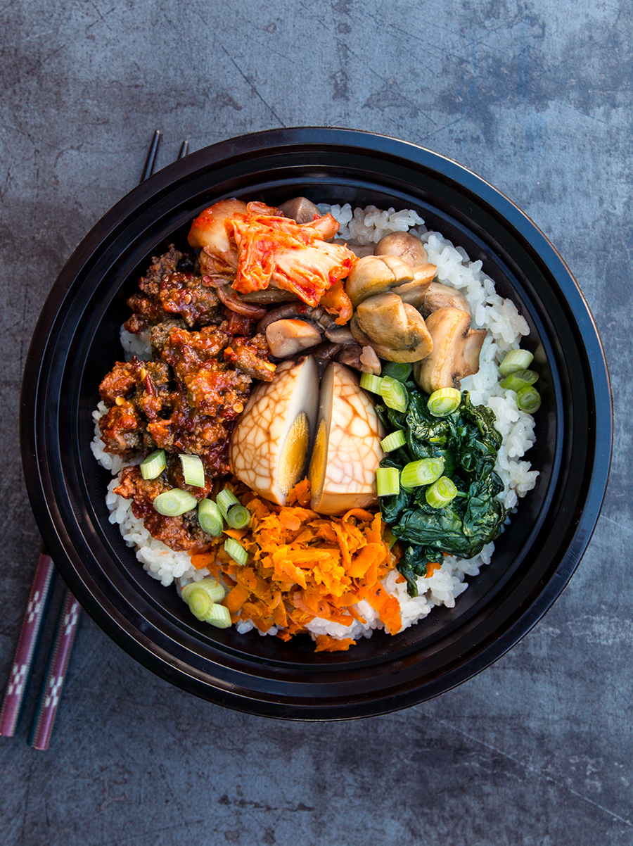 Check out my meal prep roadmap for an entire week of the healthy Korean classic: Spicy Beef Bibimbap! Made with delicious grass-fed beef, plenty of veggies, and hearty rice.
