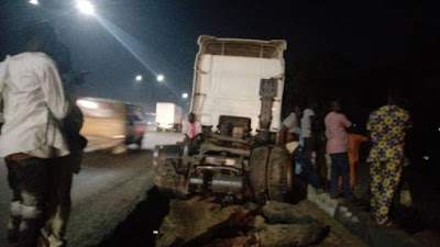 Breaking!!! Tanker Carrying Fuel Falls, Spills Content At Otedola Bridge