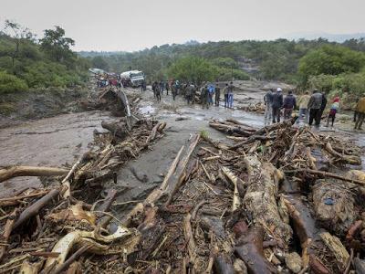 SAD!!! Landslides Kill Atleast 36 In Kenya, Over 500 Vehicles Stucked