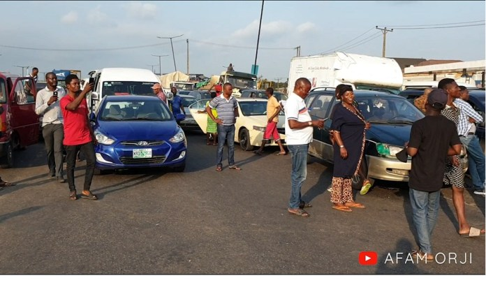 #EndSARS: I Witnessed Protesters Block Lagos-Ibadan Expressway (Pics, Video)