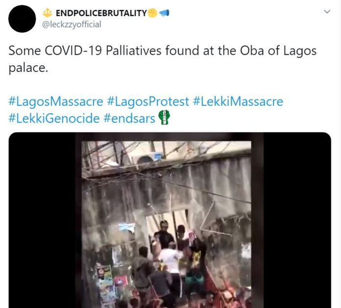 Thugs Share COVID-19 Palliatives Found At The Oba Of Lagos Palace [Photos, Video]