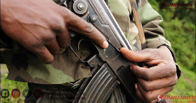 Suspected gunmen raid police checkpoint, loot rifles , kill 2 officers.
