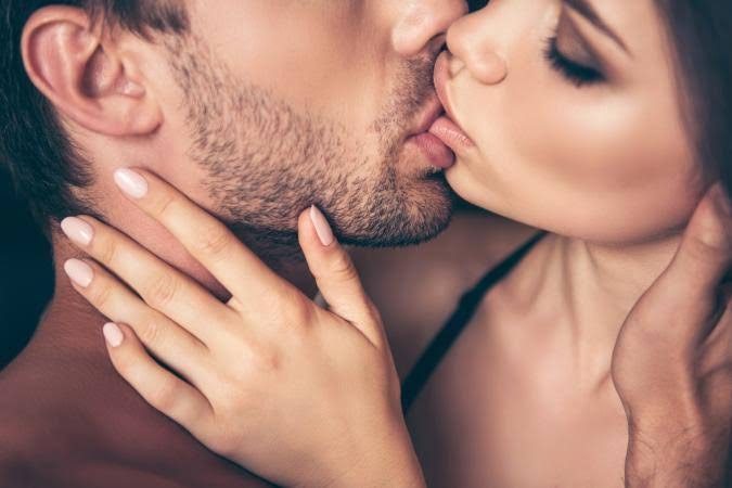 Health Talk: What Kissing Does To Your Body