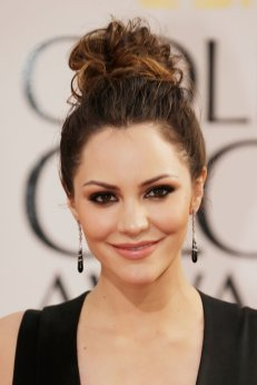 topknot-one-style-also-lets-ombrc3a9-highlights-shine