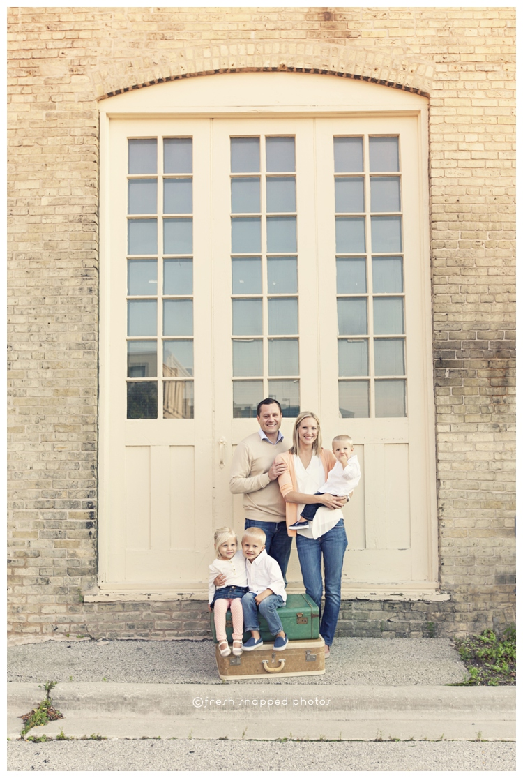 family, child, children, kids, urban, photography, photographer, sheboygan, wi, wisconsin, vintage