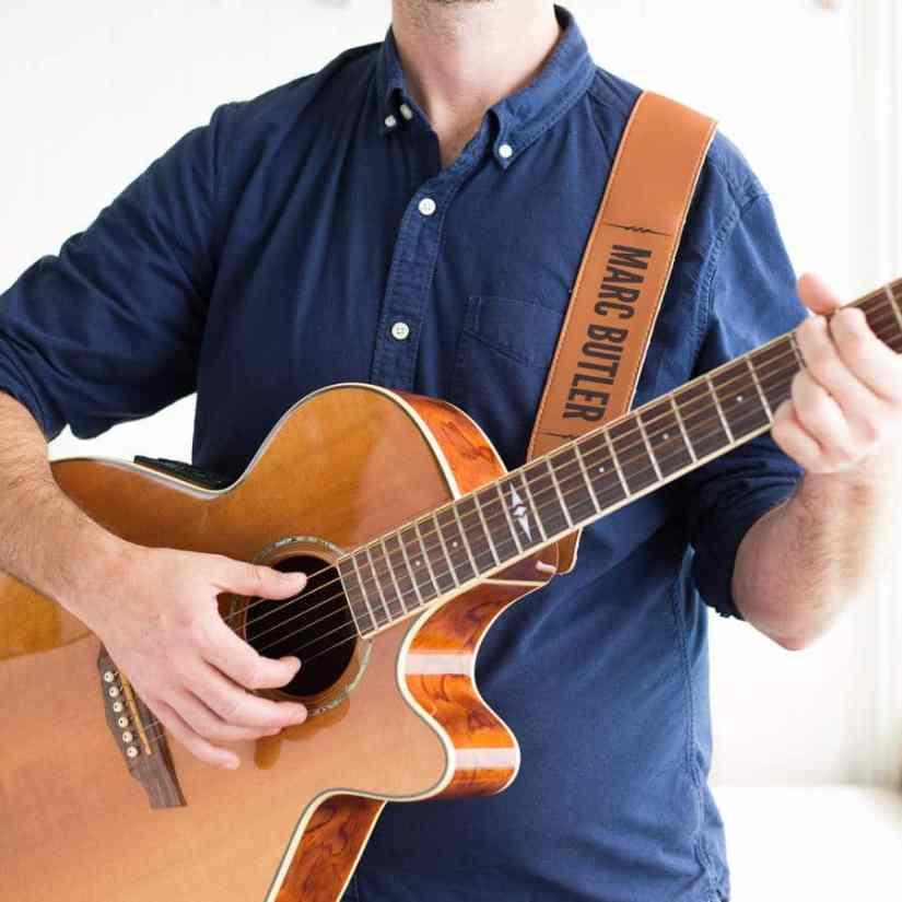 acoustic guitar strap