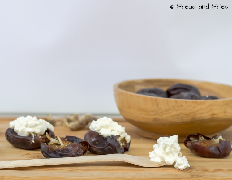 Date met cottage cheese | Freud and Fries -1