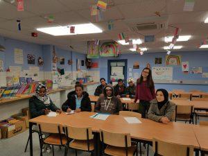 Viktoriia und ihre Lerngruppe aus Eritrea.