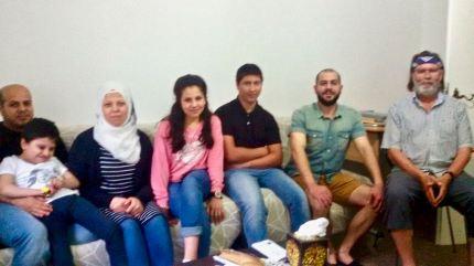 Familie Saleh mit Pate Georg Schenk