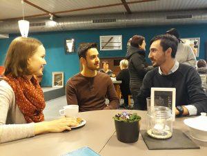 Aus einer Patenschaft ist Freundschaft geworden: Julia, Mohammed und Phillip (von links nach rechts).
