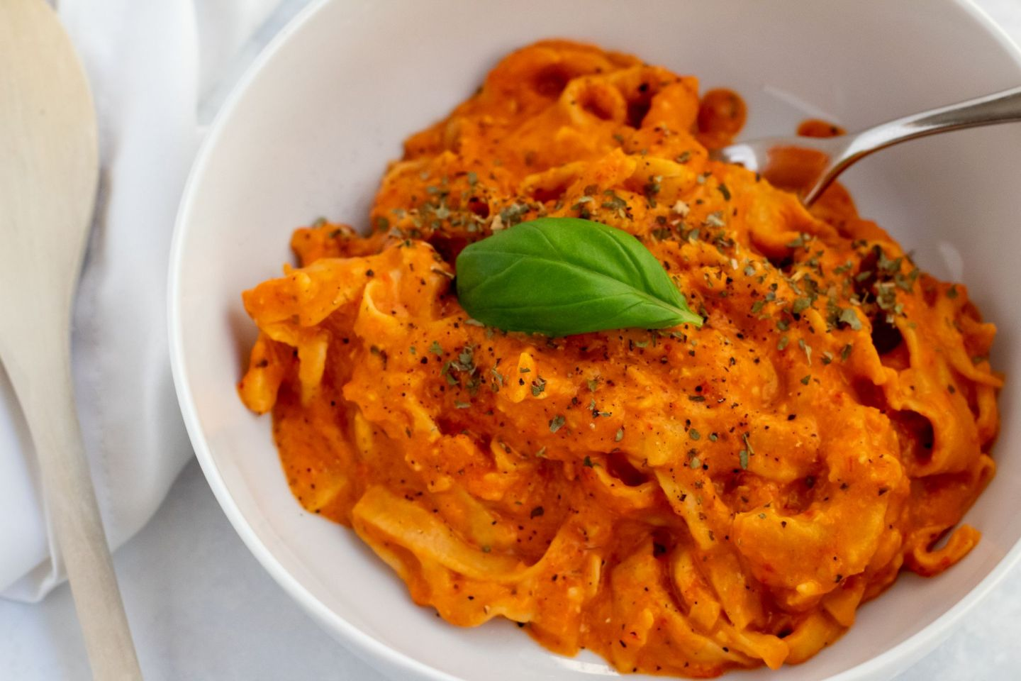 Recipe:  Creamy Red Pepper Pasta | FOOD | FREYA WILCOX