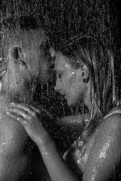 Foto: Wolfgang Fricke   Model: Miriam & Marcel   aus einem Shooting mit dem neuen Wasserbecken & Dusche