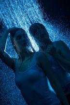 Foto: Wolfgang Fricke   Model: Raffaela & Anastasia   aus einem Shooting mit dem neuen Wasserbecken & Dusche