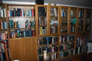Jag har hört om folk som tror de har för mycket böcker...dumheter naturligtvis