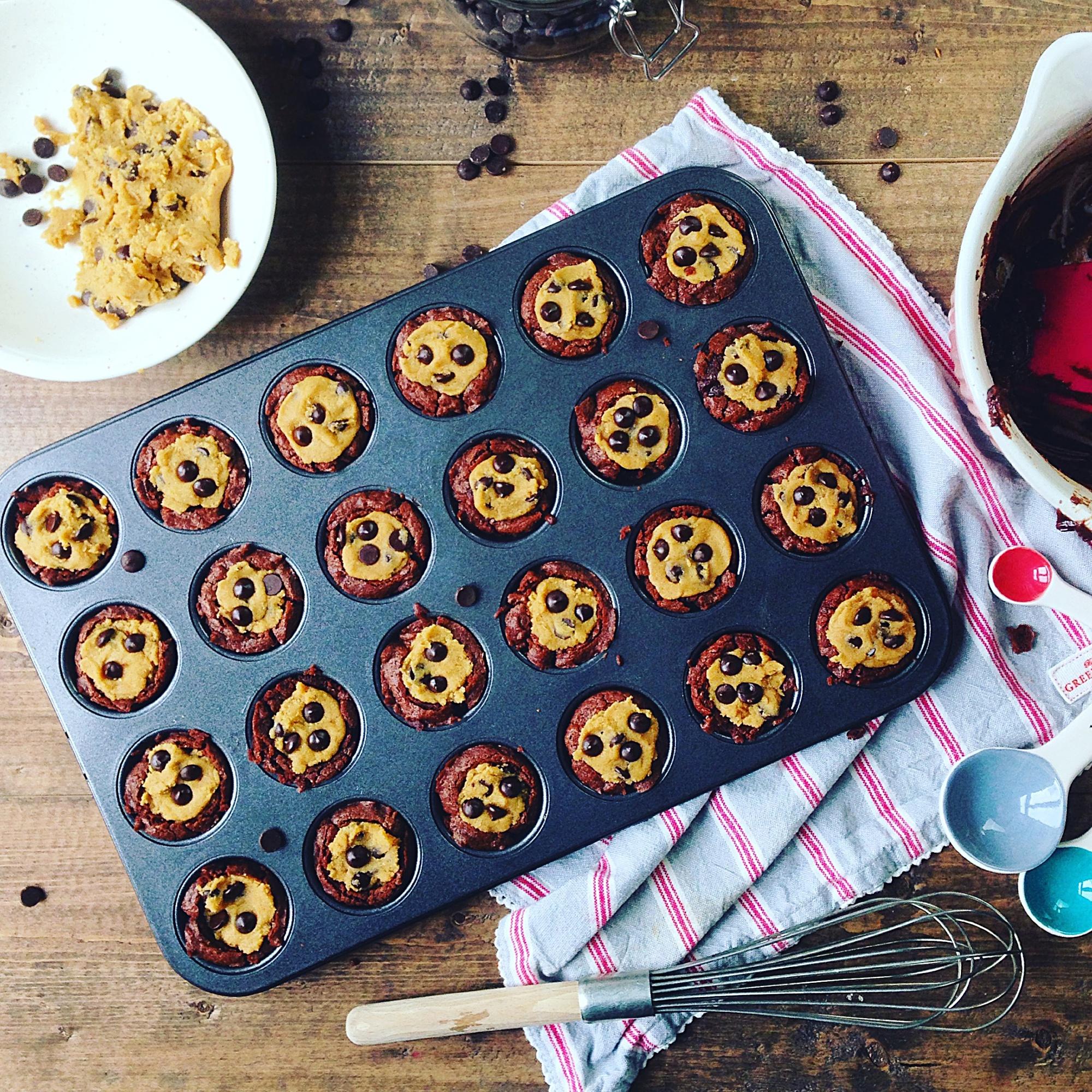 Browniecups med cookie dough3