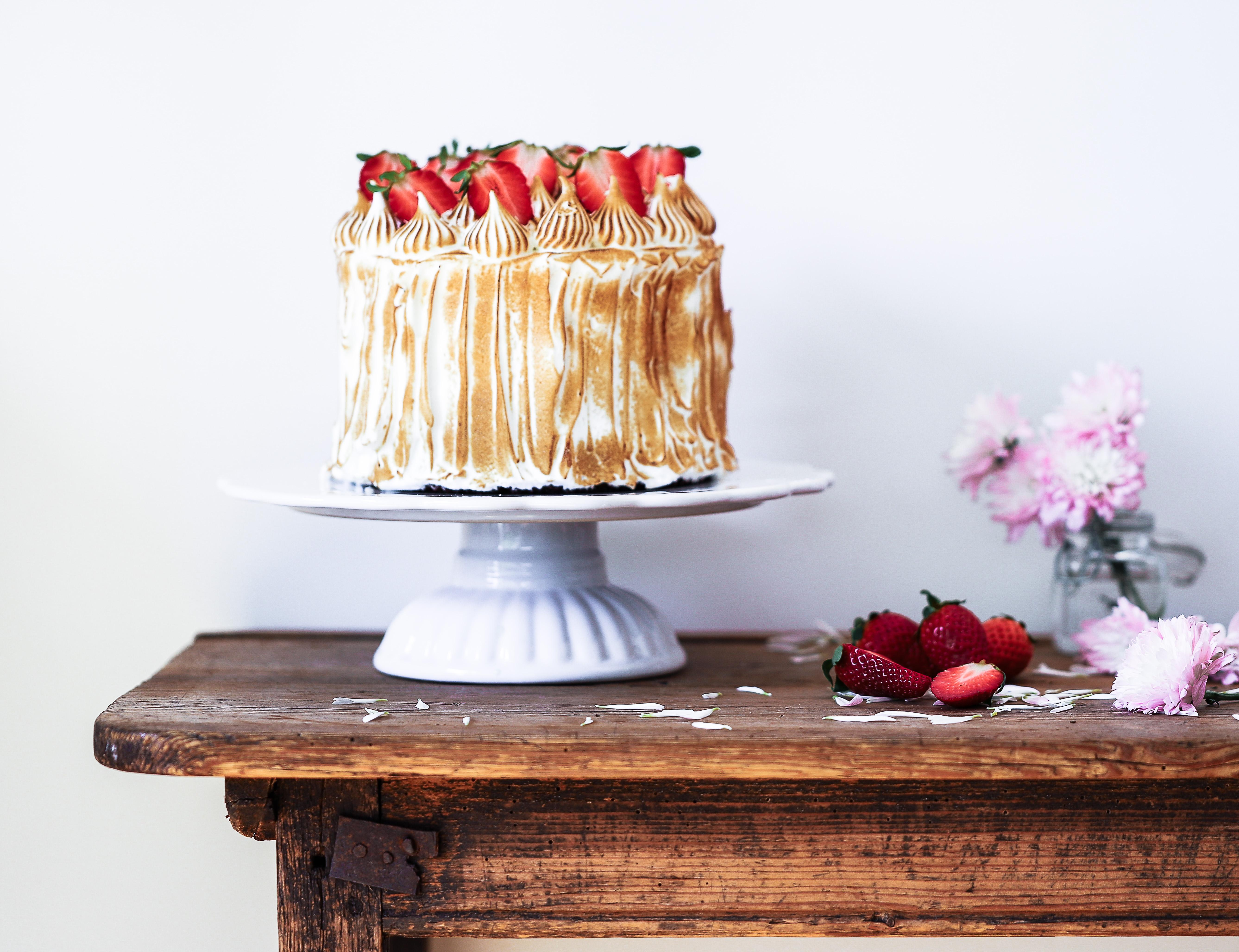 Tårta med citron och bränd maräng