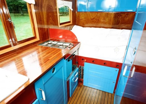 tronke-campers-travel-collection-classic-fieldsleeper1-mobile-homes-campervans-homes-on-wheels-living-in-small-spaces-self-sufficiency-the-flying-tortoise-008