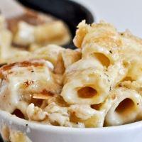 შებრაწული მაკარონი ყველით