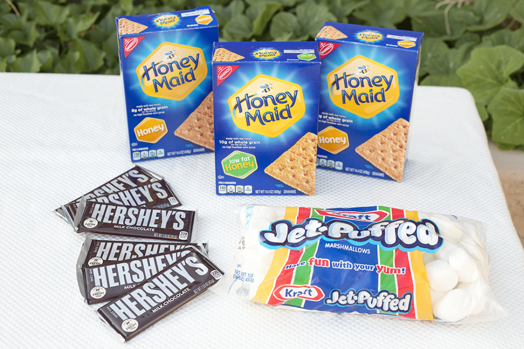 The Perfect Summer Party with S'mores
