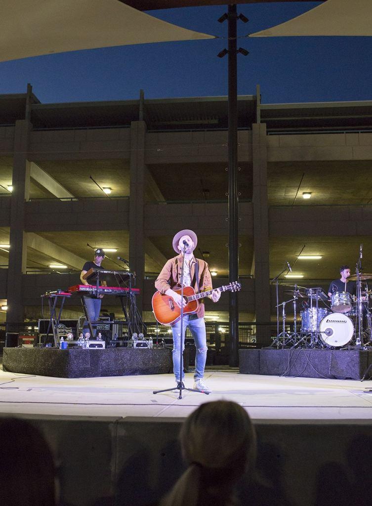 Mat Kearny in concert
