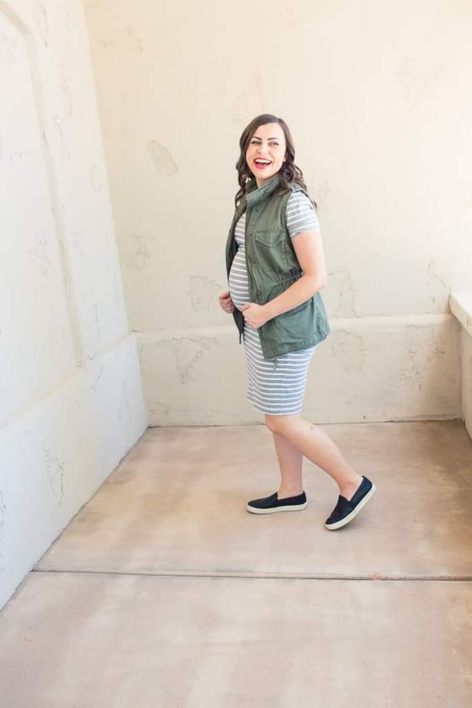 casual Maternity outfit idea