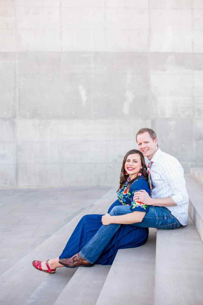 Pregnancy photos: couple maternity photo shoot ideas