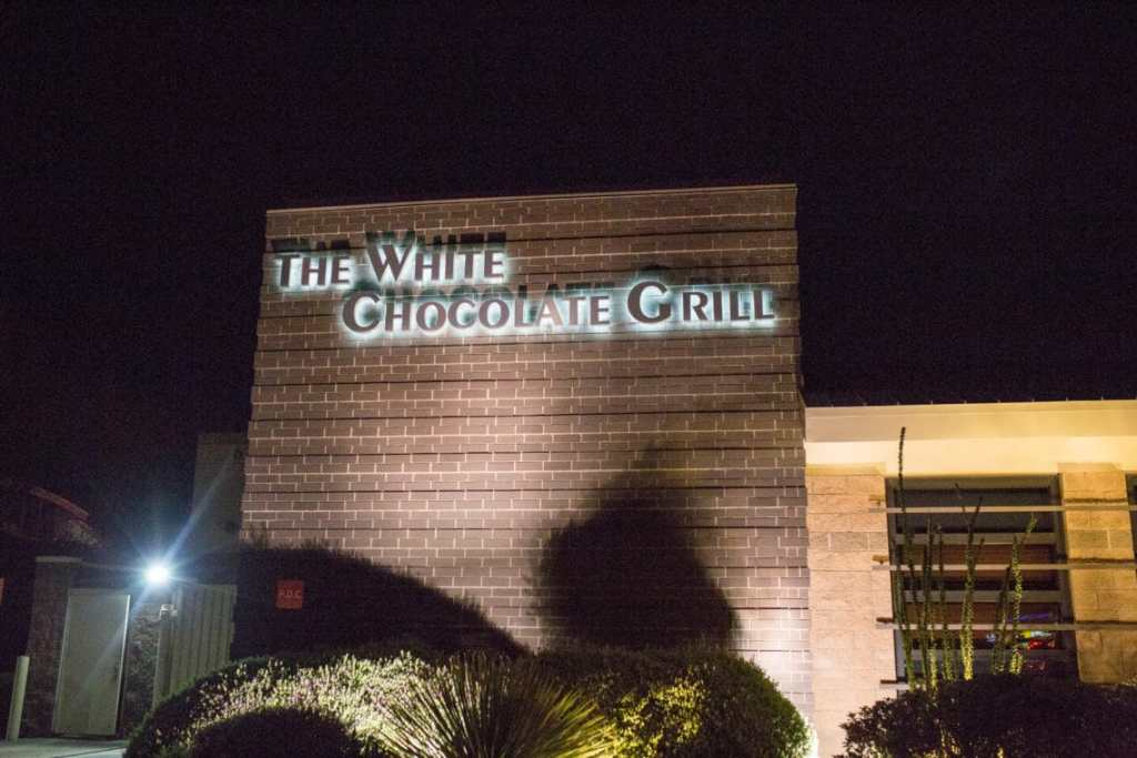 The White Chocolate Grill: Restaurant and menu review and why it's a great date spot!