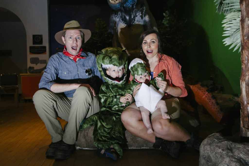 Family Halloween Costume: Jurassic Park