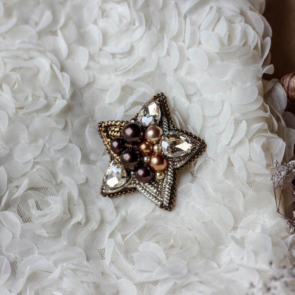 брошь классика жемчуг стразы вышивка сваросвски брошка украшения звезда
