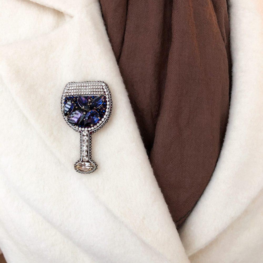 купить брошь брошка брошь на пальто стразы сваровски swarovski жемчуг украшения аксессуары вышивка бокал вино