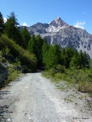 Blick von der Auffahrt nach Sagna Longa auf den Mont Chaberton