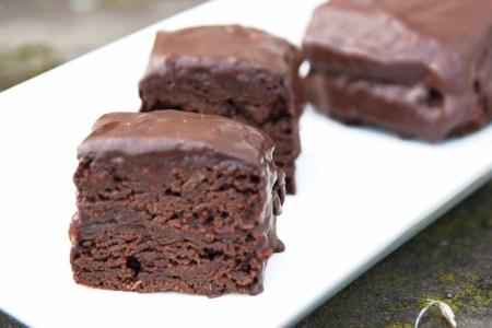 glutenfri vegansk sjokoladekake med teff