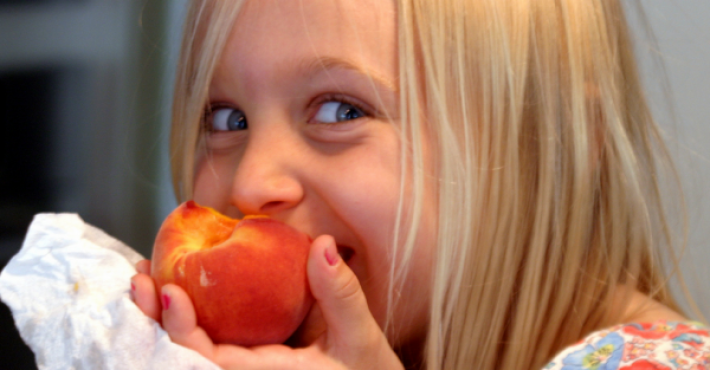 card_-_Grayson_eating_a_peach___Flickr_-_Photo_Sharing_
