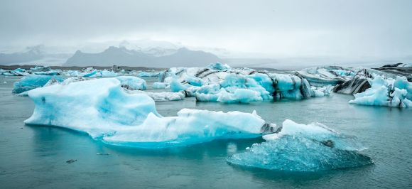 3 days, South Coast, Golden Circle & Northern Lights - glacier-lagoon- friend in iceland