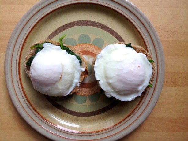 low-fat egg florentine on wholemeal english muffin