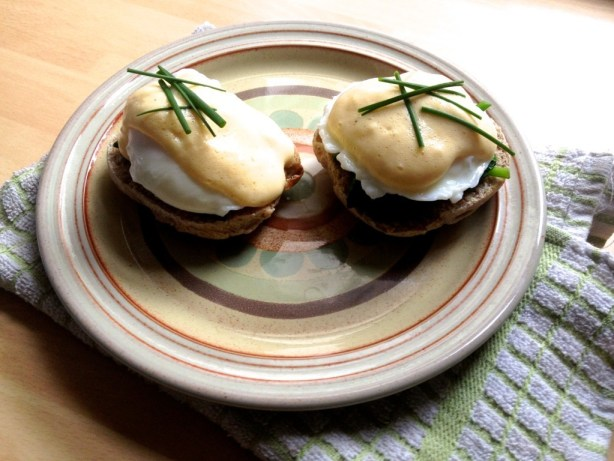 Low-fat eggs florentine recipe on wholemeal english muffin