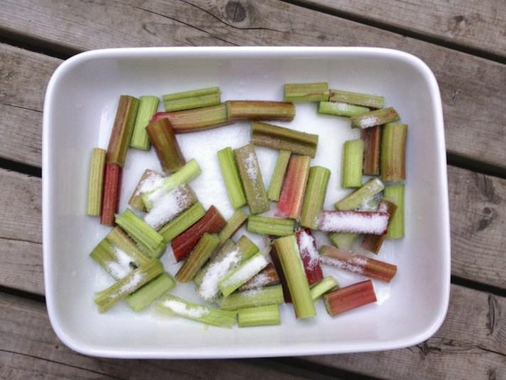 roasting rhubarb for goat milk ice cream