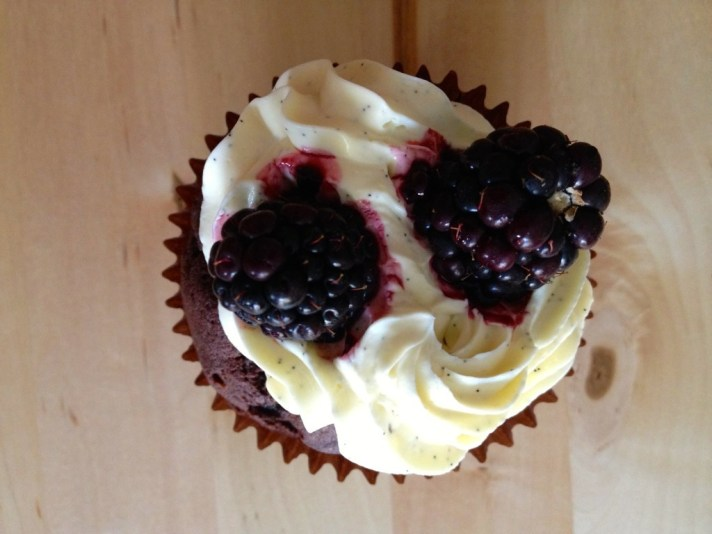 chocolate beer cupcakes with vanilla bean cream topping
