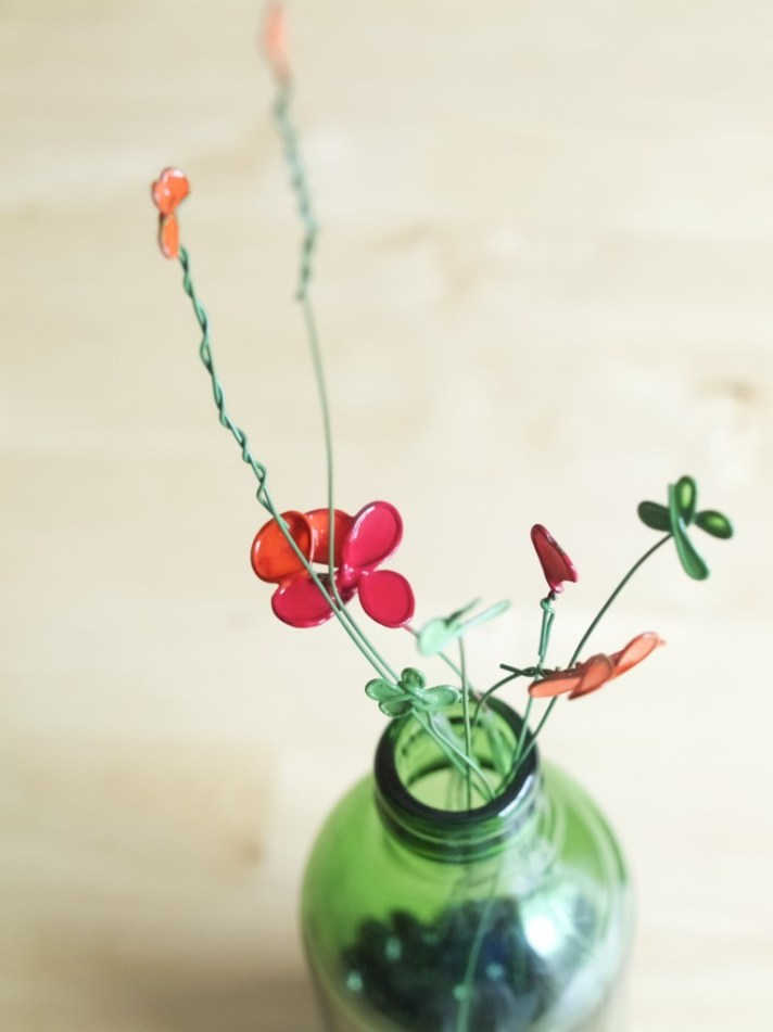 La la la... spring is coming! painted wire flowers DIY