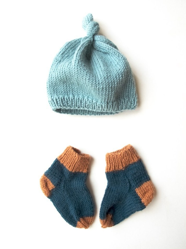 Knitted baby hat and socks