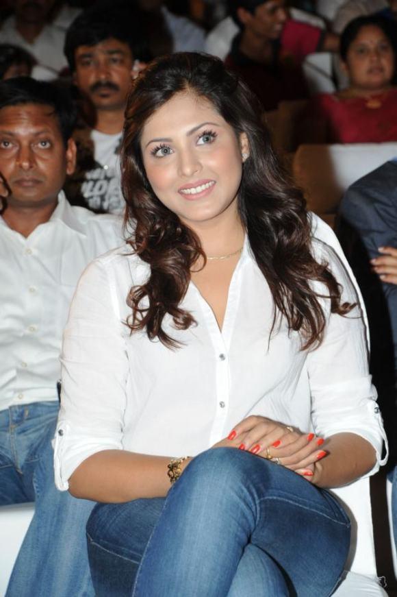 Madhu Shalini (6)