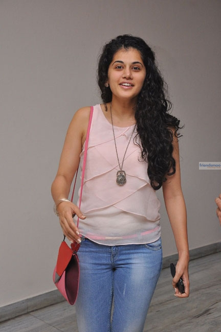 Tapsee  (1)