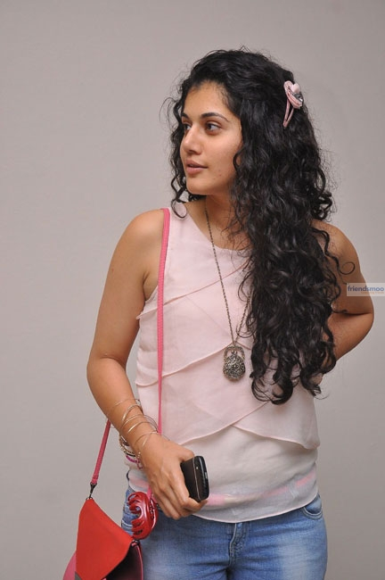 Tapsee  (4)