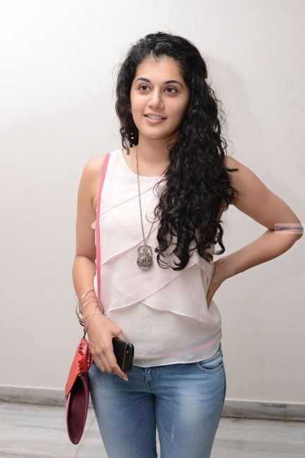 Tapsee  (6)