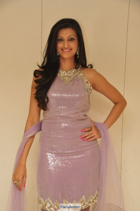 Hamsa Nandini Latest Hot Pics-Friendsmoo